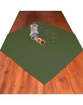 Landhaus-Mitteldecke Hetty Grün uni mit Deko auf einem Tisch