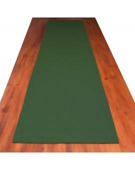 Landhaus-Tischdecke Hetty Grün uni einzeln auf einem Tisch