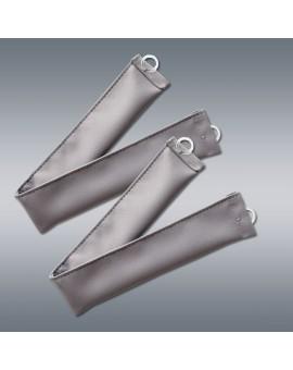 Raffhalter zu Wohnmobil-Vorhang Mattis grau - Set (2er-Pack) vor grauem Hintergrund