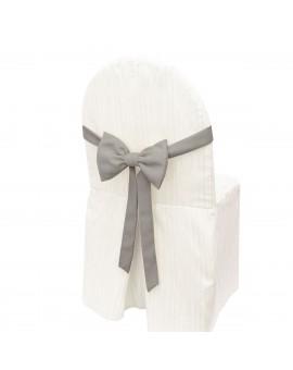 Schmuckschleife Hetty für Stuhlhussen und Stehtische Grau an einem Stuhl