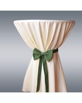 Schmuckschleife Hetty für Stuhlhussen und Stehtische Grün am Tisch