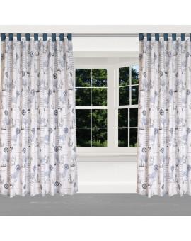 Hochwertiger Dekoschal Husum blau-grau-weiß mit blauen Schlaufen am Fenster