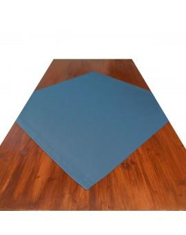 Mitteldecke Rügen blau uni auf dem Tisch