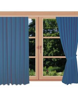 Hochwertiger Ösenschal Husum blau unifarben Chromösen an einem Sommerfenster