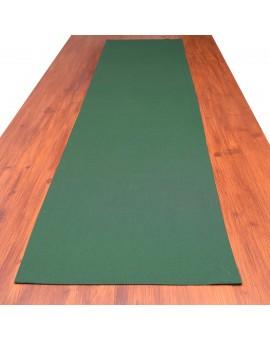 Tischband Knut grün uni auf dem Tisch
