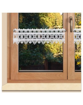 Feenhaus-Spitzengardine Leni Plauener Spitze am Fenster