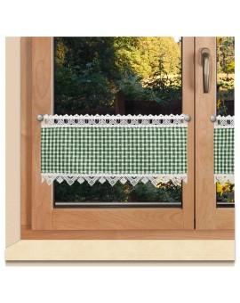 Scheibengardine Leni grün kariert mit Plauener Spitze am Fenster