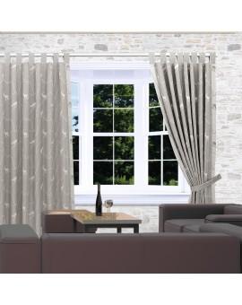 Schlaufenschal Breno mit Steinbock grau am Fenster