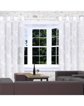 Vorhang Rory in weiß mit Blumen-Muster am Fenster